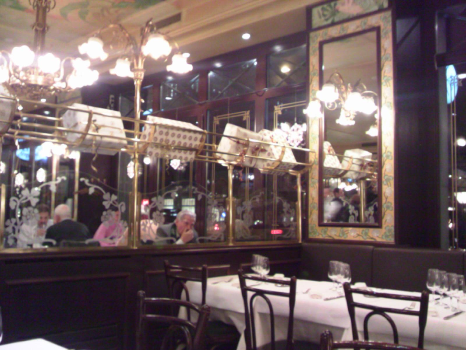 Brasserie_Lipp (2).jpg