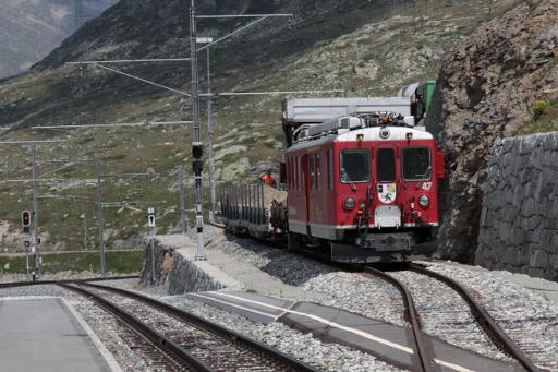 TrainTravauxOspizioBernina.jpg