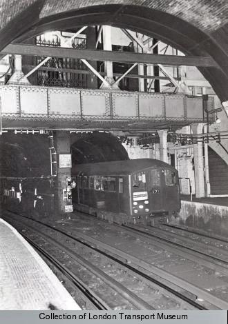 3-Tubes_Portico_1938_Stock_